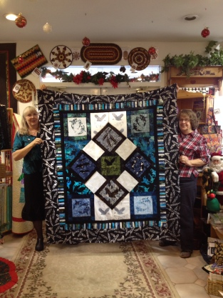 Joan Demmon finished her shop hop quilt, Very West Coast! Way to go Joan